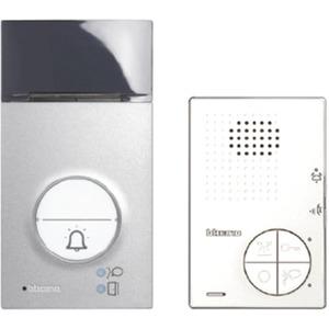 Das Flex'ONE-Set beinhaltet: hörerlose Audiohausstation Classe 100 A12B. Türstation LINEA 3000. Videonetzteil